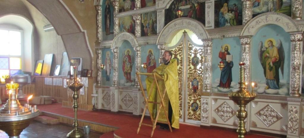 Водосвятный молебен с чтением акафиста в День 1000-летия преставления равноапостольного князя Владимира в храме Трёх Святителей.