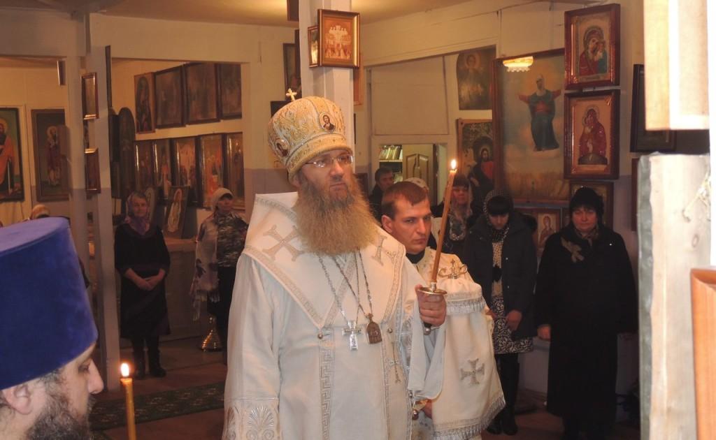 Всенощное бдение в соборном храме святителя Феофана Затворника Вышенского в г. Новоаннинский.