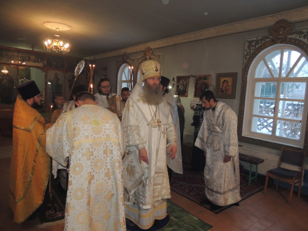 Всенощное бдение в храме Святой Троицы в ст. Кумылженской.