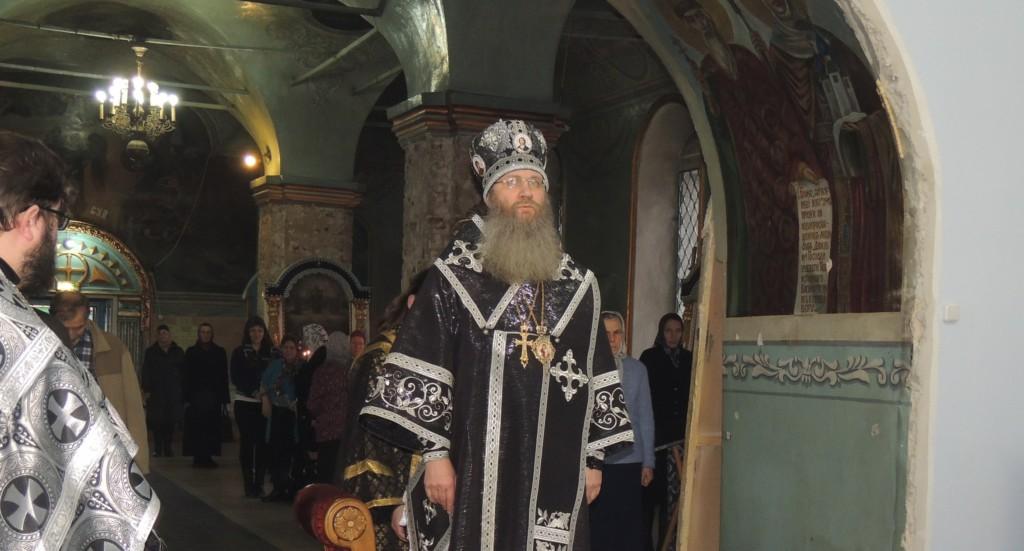 Вечернее богослужение с чином ПАССИИ в Покровском кафедральном соборе г. Урюпинска.