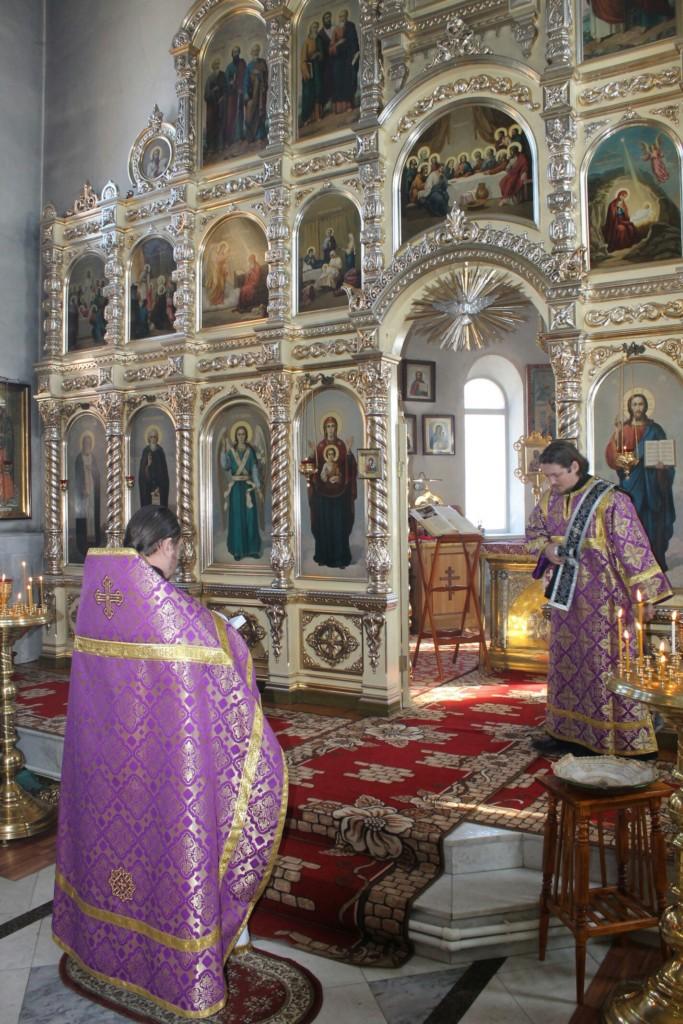 Воскресная служба в храме Святаго Духа Утешителя города Жирновск.