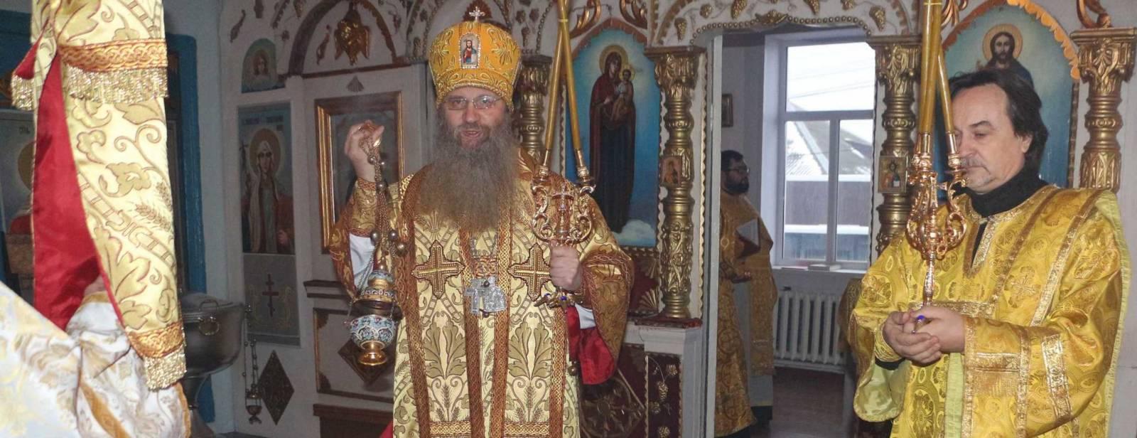 Божественная литургия в храме Архангела Михаила ст. Добринская.