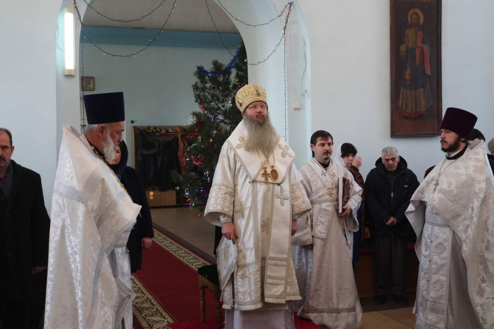 Божественная Литургия в храме Рождества Христова в с. Нижняя Добринка.