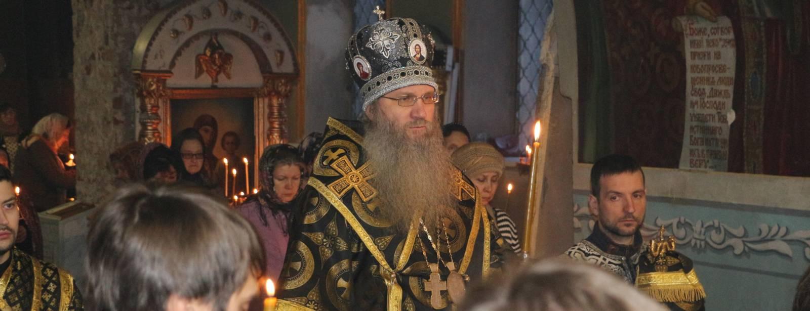 Епископ Елисей совершил 1-ю Пассию в Покровском кафедральном соборе г. Урюпинска.