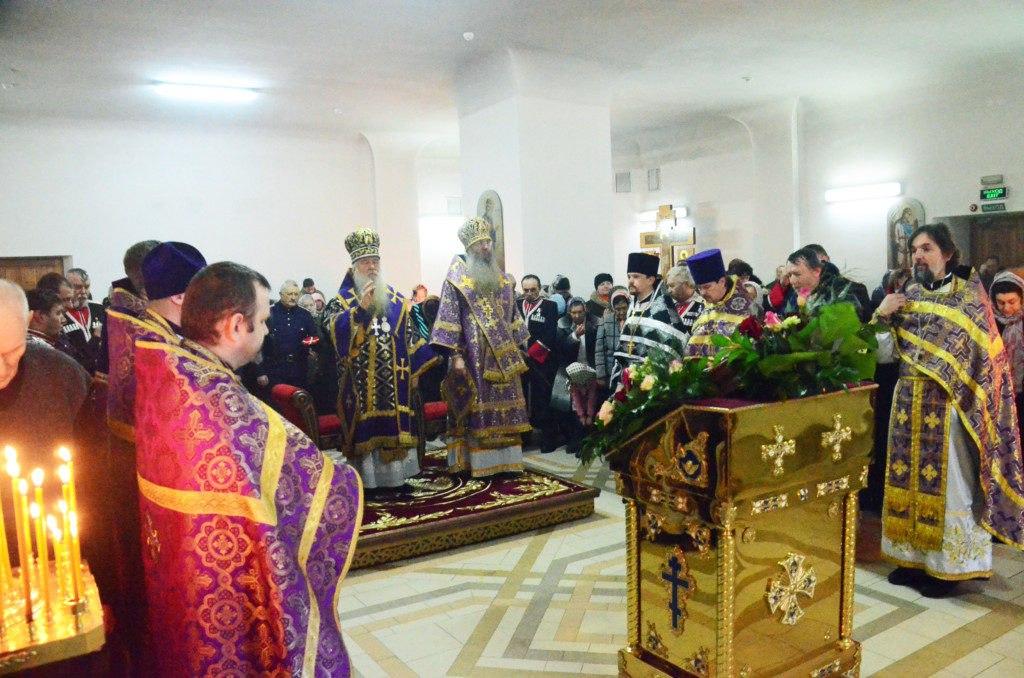 Божественная литургия Преждеосвященных Даров в храме святого праведного Иоанна Кронштадского.
