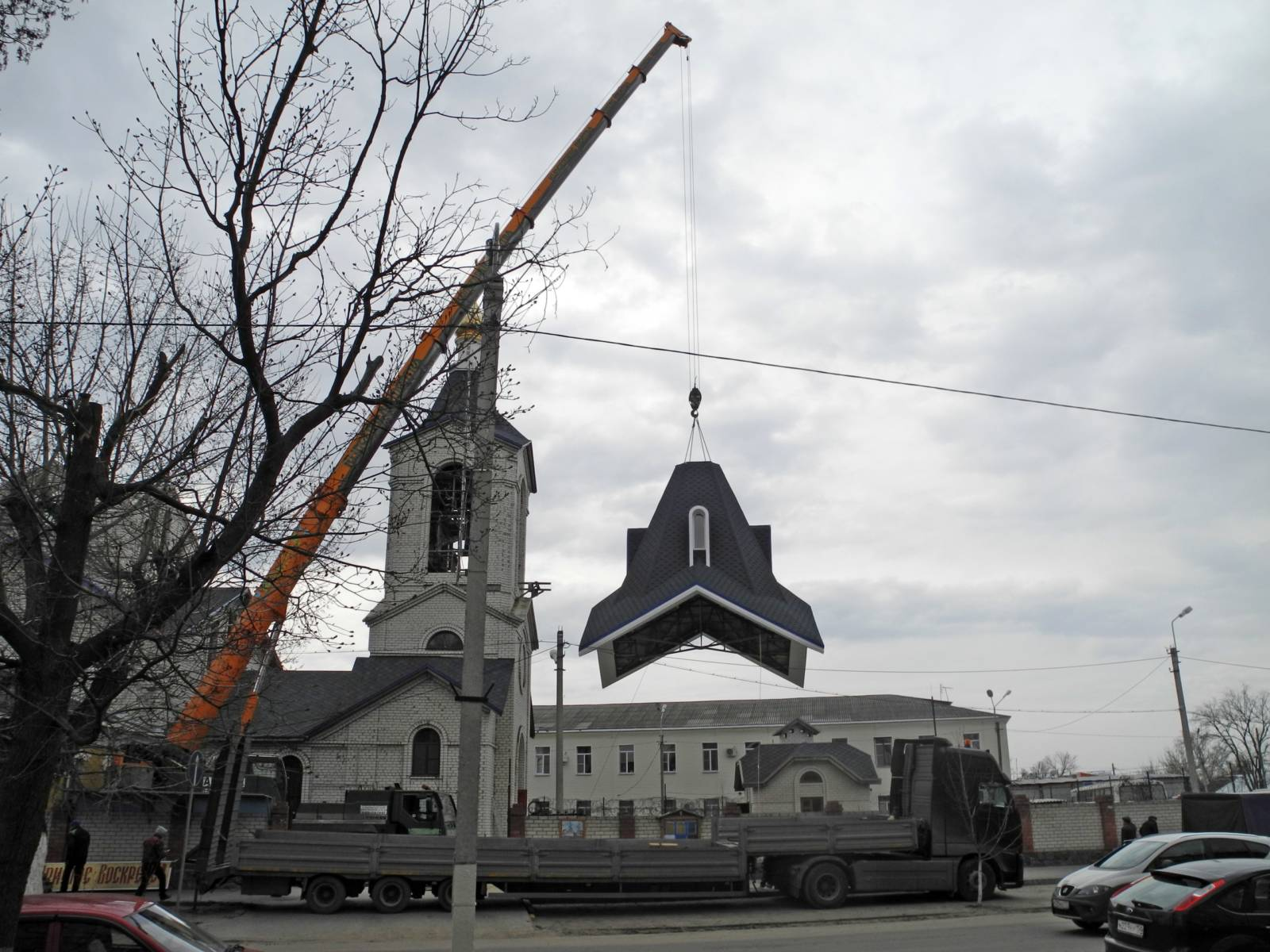 Установка шатра на храме Рождества Христова г. Урюпинска.