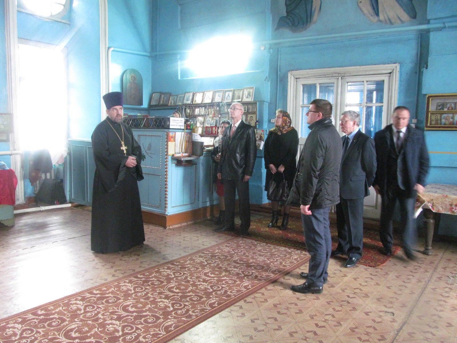 Делегация Волгоградского педагогического университета посетила Еланский храм Сошествия Святого Духа.