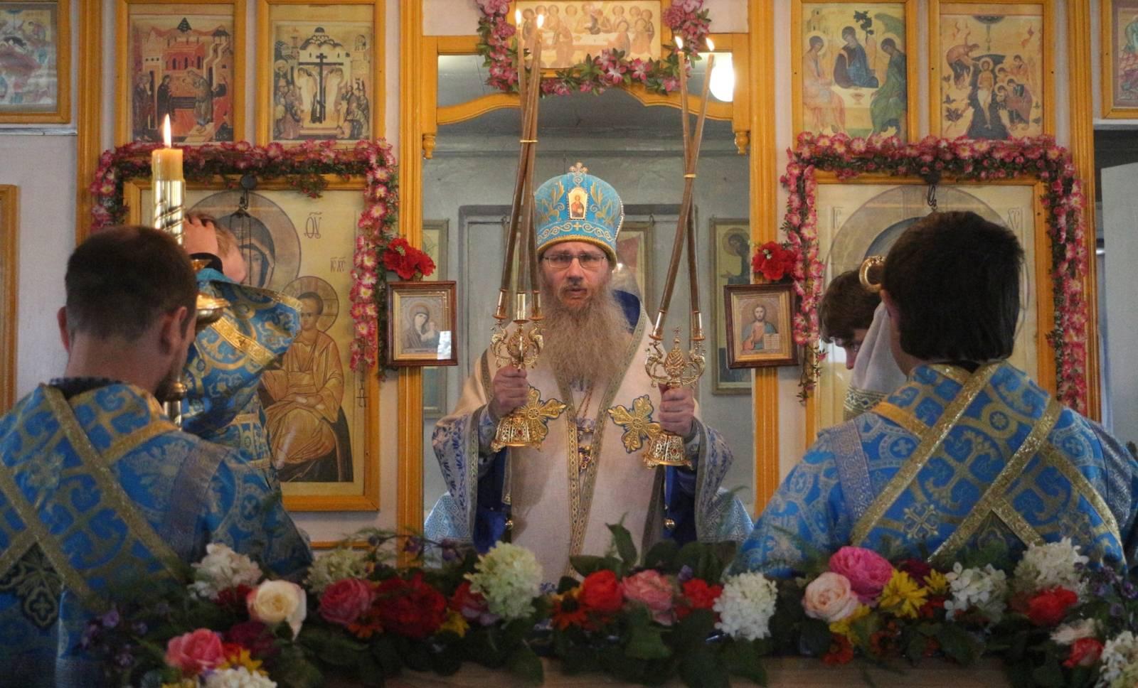 В День празднования Успения Пресвятой Владычицы нашей Богородицы и Приснодевы Марии.