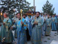 Утреня с чином Погребения Пресвятой Богородицы в Покровском кафедральном соборе г. Урюпинска.