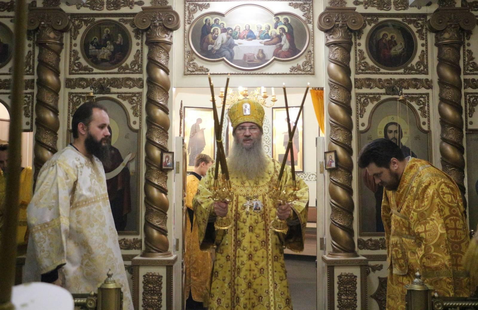 В День памяти свт. Филаре́та, митрополита Московского.