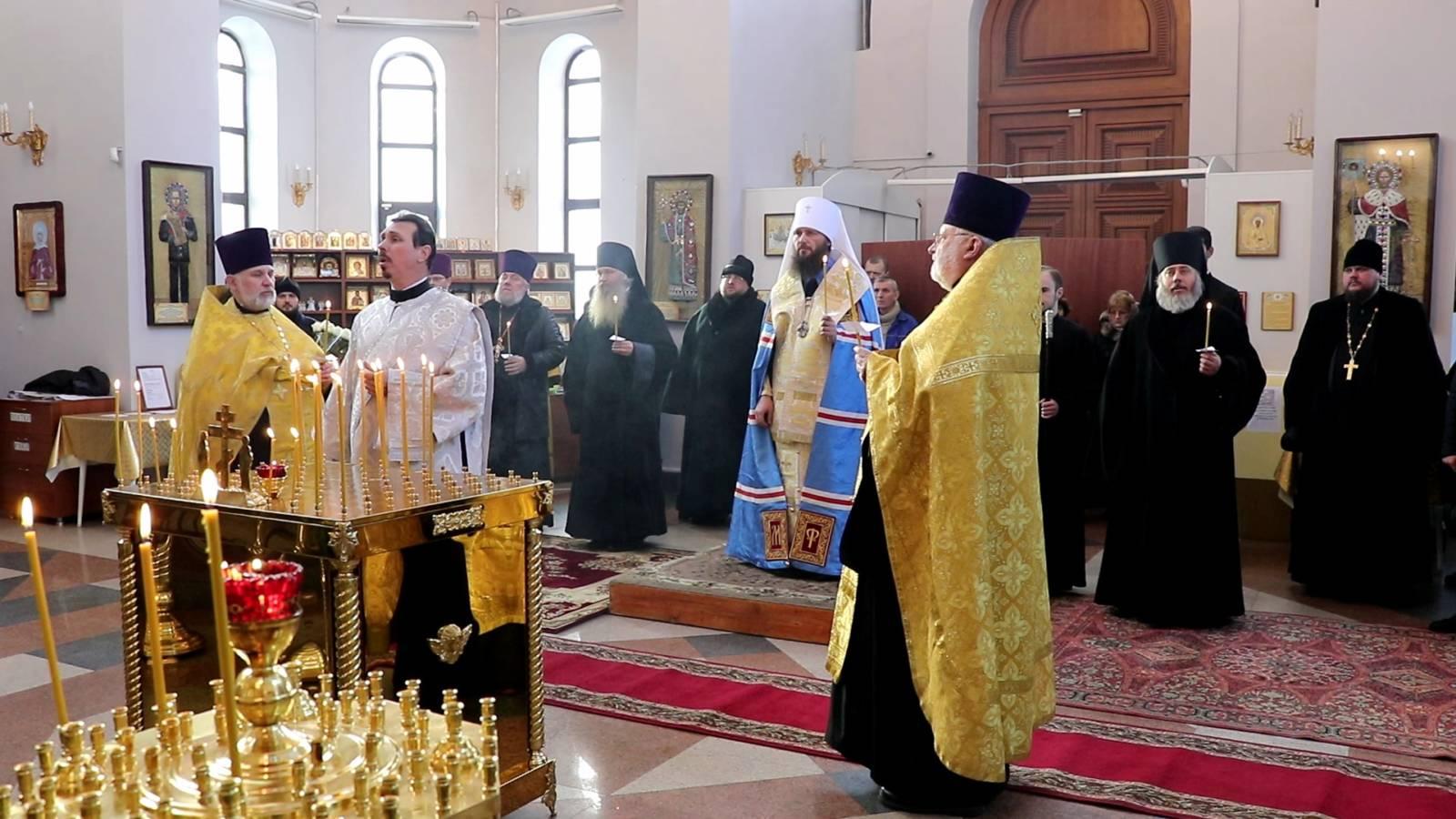 Митрополит Феодор совершил литию на главной высоте России.