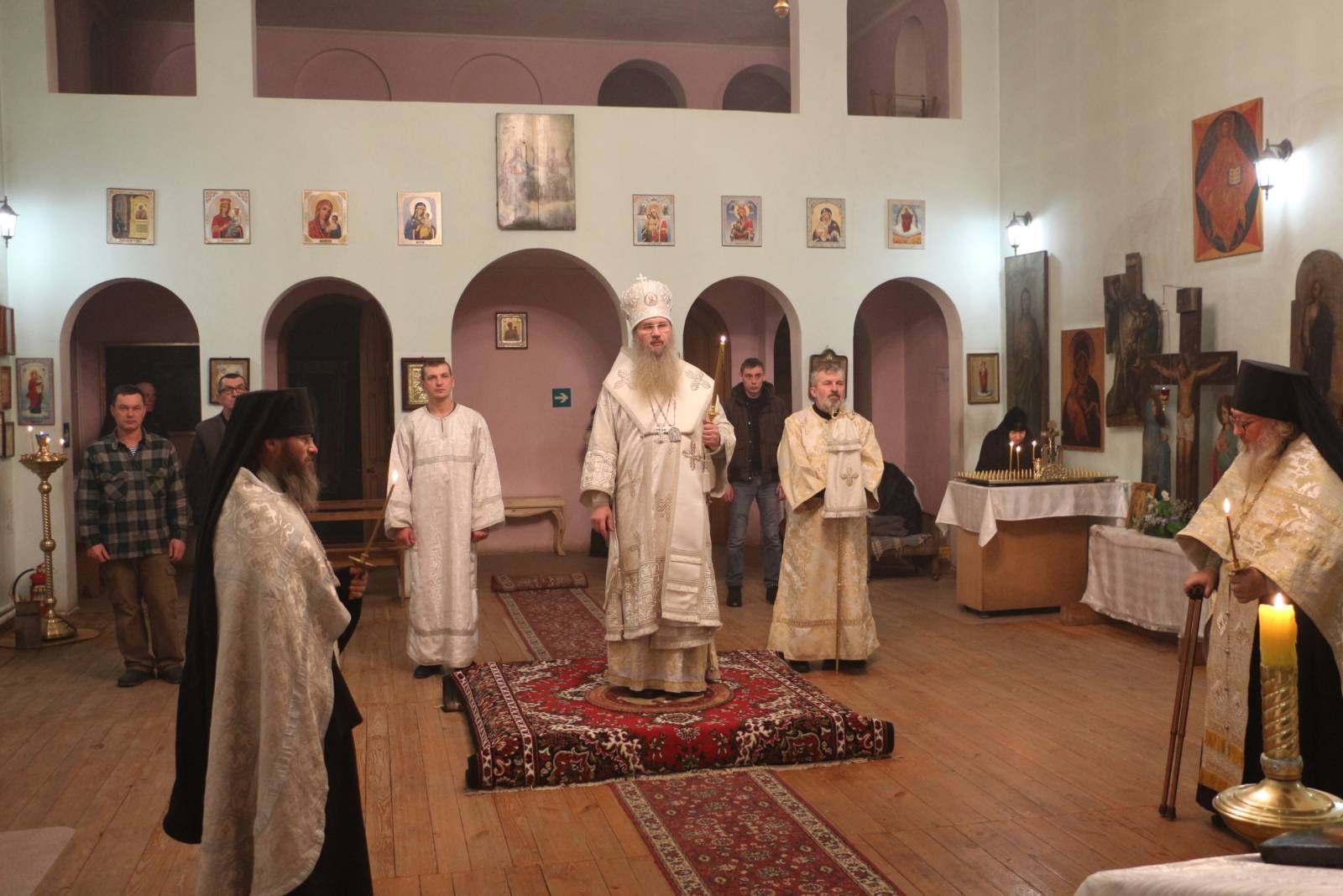 В День памяти Собора Пророка, Предтечи и Крестителя Господня Иоанна.