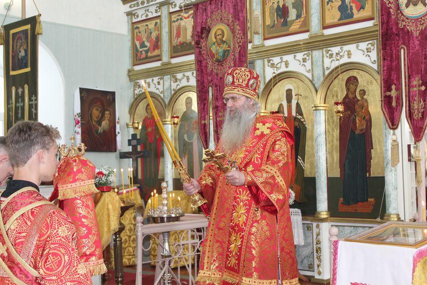 Праздничное богослужение в храме Воскресения Христова г. Серафимович.