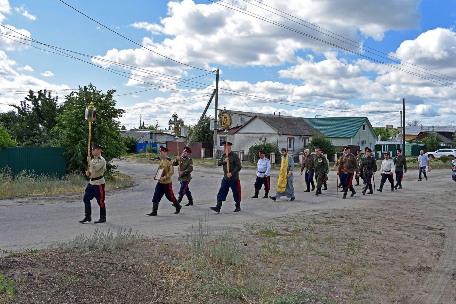 В Урюпинске молитвенно почтили память земляков – жертв геноцида казаков 1919 года.